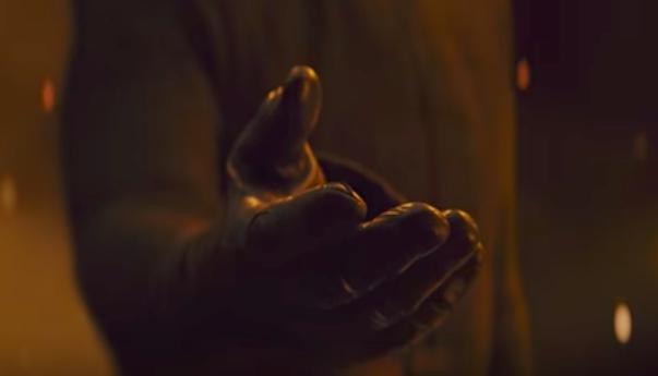 【最後のジェダイ本予告考察】カイロレンが手を差し出したのはレイア?